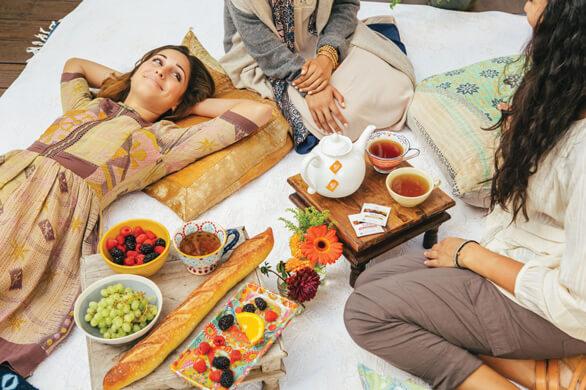 Tu ce-ti doresti de la un ceai? Sa fie savuros sau benefic pentru sanatate? Bucura-te de ambele cu Tulsi, Regina plantelor medicinale!