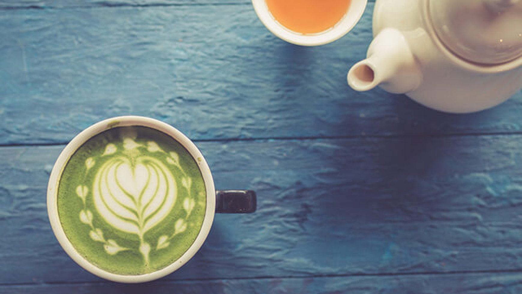Cum sa faci cel mai delicios ceai Latte cu Tulsi si Ceai Verde (Busuioc sfant)