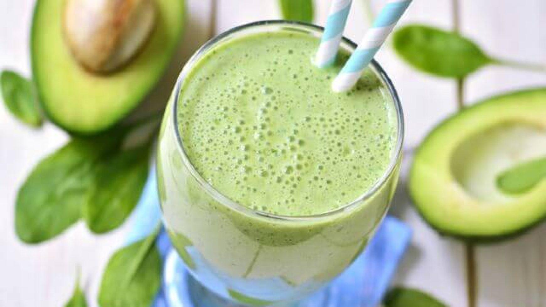 Cum sa prepari cel mai bun smoothie cu avocado si menta