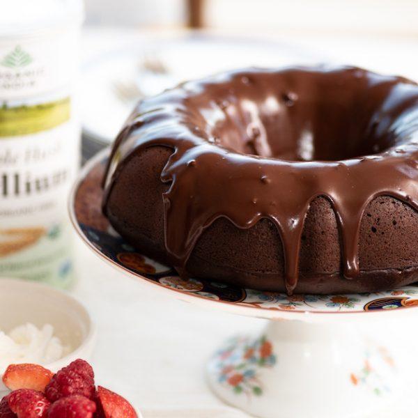 Tort de ciocolată cu scorțișoară, fără gluten, cu ganache de ciocolată neagră