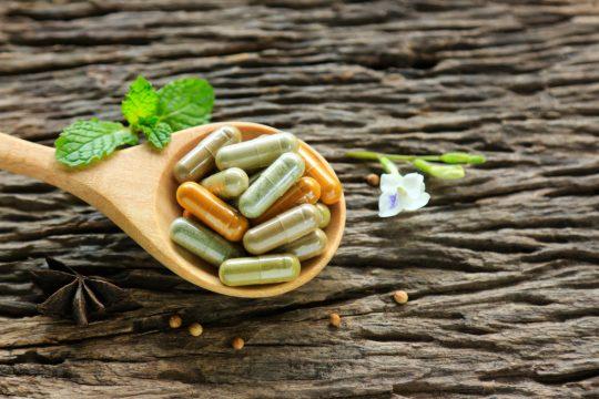 Super-imunitate? Descoperiri științifice interesante despre plantele medicinale ayurvedice.