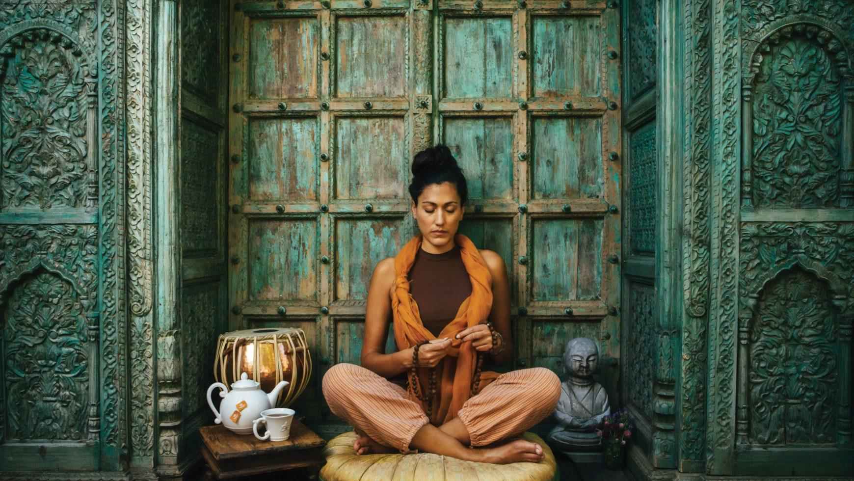 Meditații la o cană de Chai